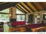 1677 Strong Rd livingroom3