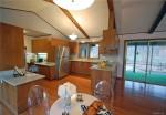 240 Hibiscus kitchen2