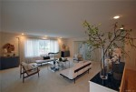 240 Hibiscus livingroom