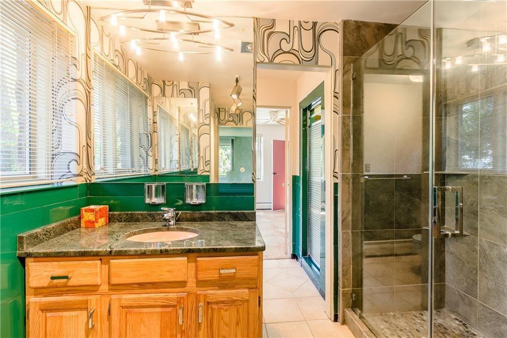 835 Allens Creek Rd-bath