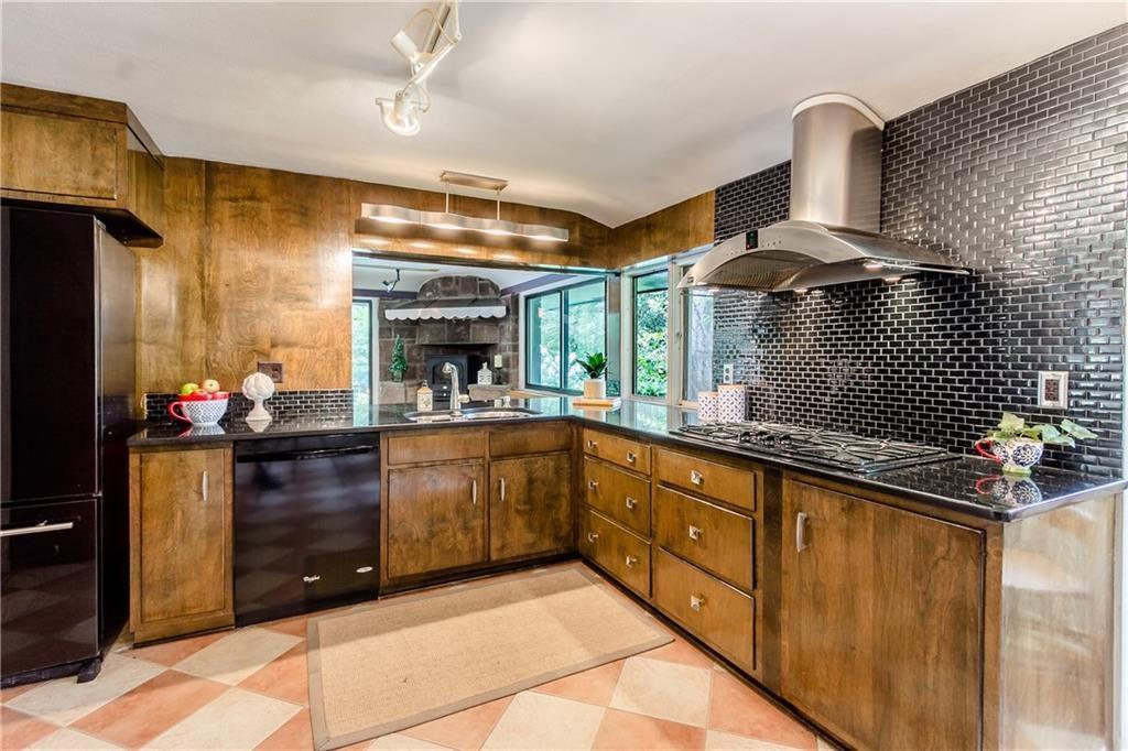 835 Allens Creek Rd-kitchen2