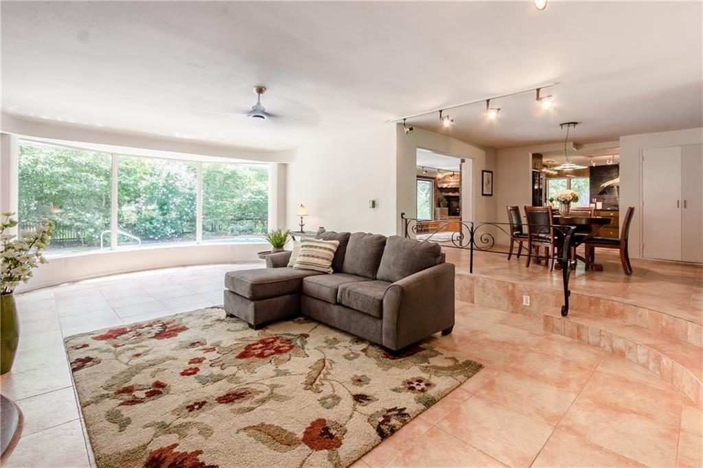835 Allens Creek Rd-living2